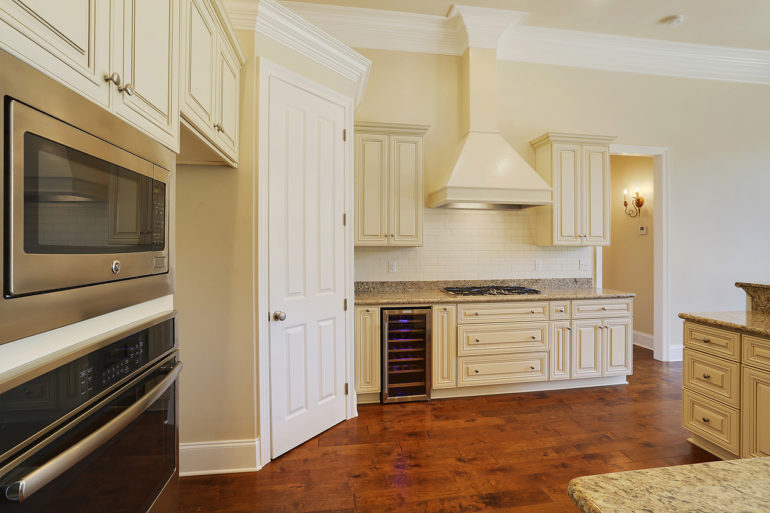 single family home open concept kitchen